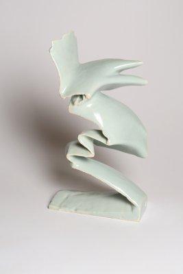 FOUILHOUX-N°51-Aigue-Grès-sculpté-dans-la-masse-émaillé-céladon-515x295x14
